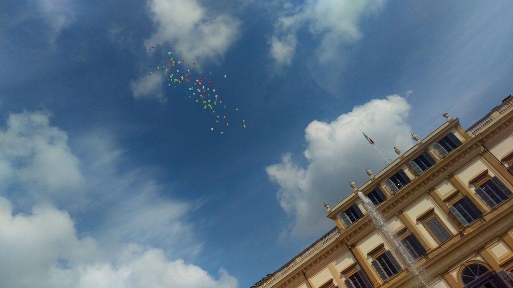ONICE | organizzazione matrimonio | Monza - Arona - lancio dei palloncini
